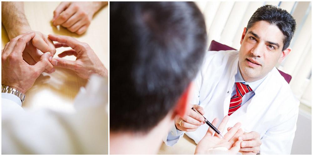 Business - Fotografie eines Arztes Handchirurg betrachtet Hände und Arztberatung