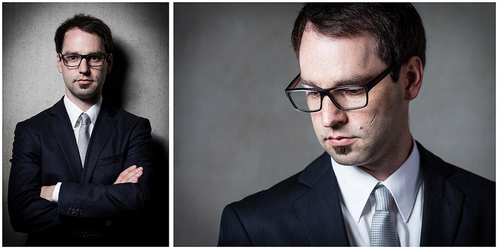 2 Business-Portraits eines schwarzhaarigen Mannes vor grauen Beton-Wand-Hintergrund